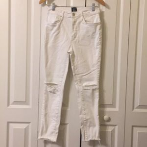 BDG Twig High Rise Cropped distressed jeans Sz 27